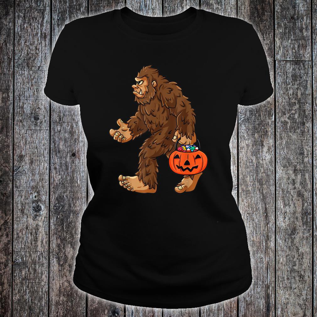 HalloweenBigfootHaltung Jack O Lantern Shirt ladies tee