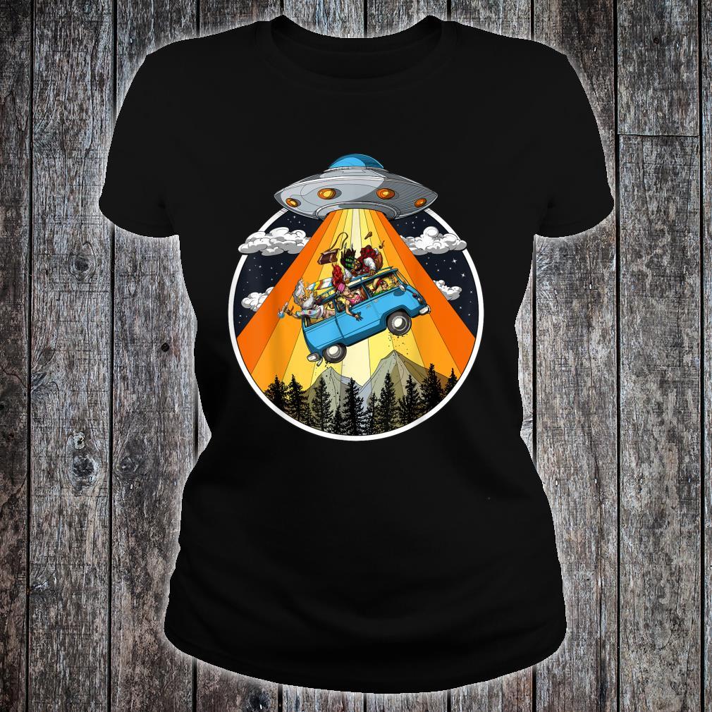 Hippie Van Alien Abduction UFO Vacation Travel Holiday Shirt ladies tee