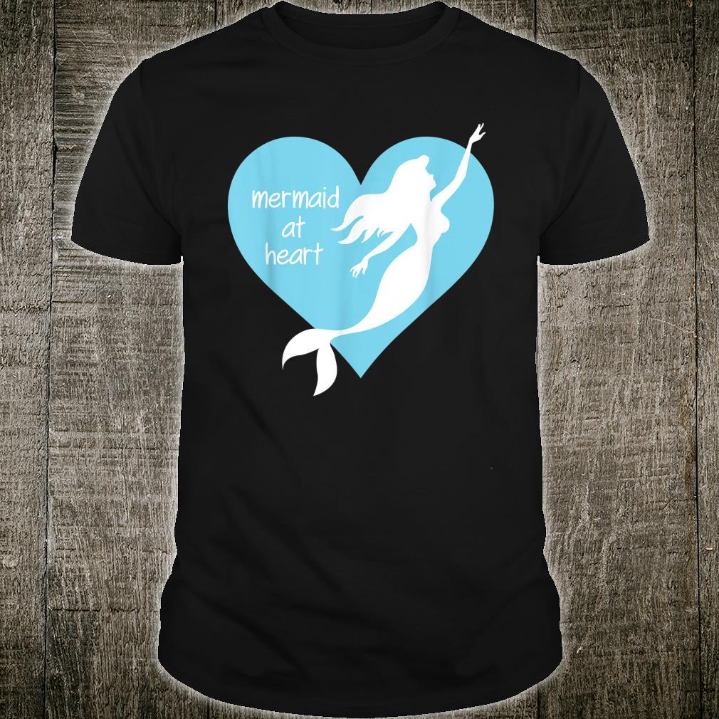 Meerjungfrau im Herzen Meer Prinzessin Wassernymphe Shirt